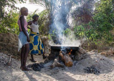 Récolte du sel - Karo - Ile de Tristao - Guinée Conakry
